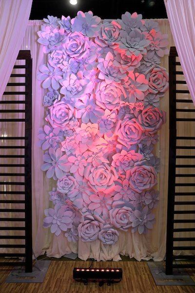 84 Piece Assorted Foam Flower Kit For 10ft X 10ft Wall